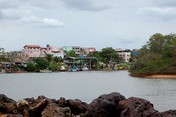 Comunidade de pescadores em Aracruz enfrenta impactos da extração de celulose na região (Foto: Guilherme Zocchio)