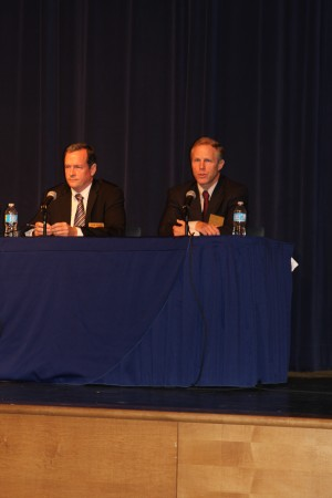 Dunwoody City Council Post 3, District 3, candidates Sam Eads and Doug Thompson appeared at the Dunwoody Homeowners Association-sponsored forum at Dunwoody High School on Oct. 17.
