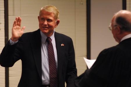 New Dunwoody Mayor Denis Shortal takes the oath of office on Jan. 4, 2016.