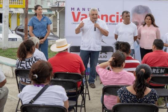 MANUEL VALENCIA RECIBE APOYO DE HABITANTES DE JAVIER ROJO GÓMEZ