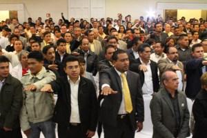 Presidentes y Secretarios Generales de Comités municipales del PRD toman protesta