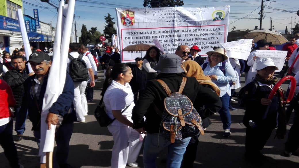 MÉDICOS Y ENFERMERAS PROTESTAN POR FALTA DE MEDICAMENTOS EN HOSPITALES DEL ISEM