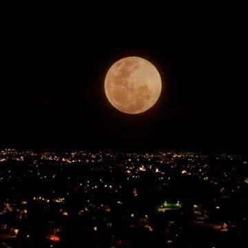 cuxndo_ver_la_luna_llena_de_gusano_2019_y_el_porqux_de_su_nombre_jpg.jpg_1359985831.jpg