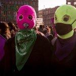 Recurrente e invisibilizada violencia con ácido hacia mujeres