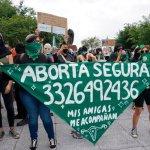 Las mujeres que sostienen a quienes deciden interrumpir su embarazo