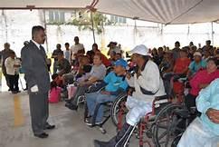 Montalvo Hernández atento a la demanda social.