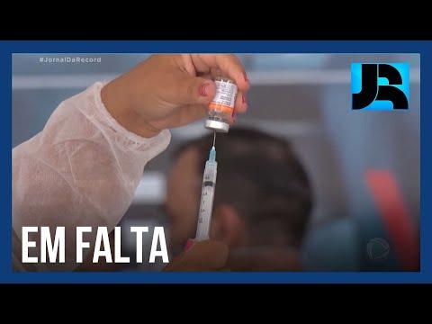 Natal, Curitiba e Salvador interrompem vacinação por falta de doses