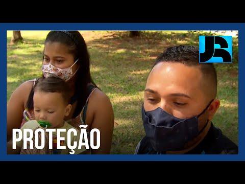 Vacinação de crianças será essencial para reduzir circulação do vírus, dizem especialistas
