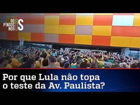 Imagens impressionantes mostram apoiadores aguardando Bolsonaro em aeroporto