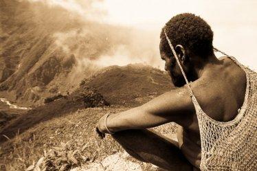 Mines d'or en Nouvelle-Guinée: les Papous sacrifiés, leurs montagnes éventrées