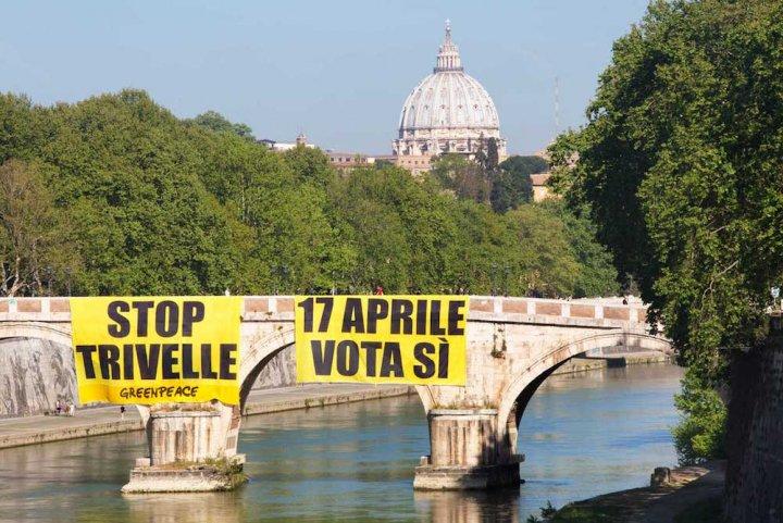 Treize millions d'Italiens votent pour l'arrêt de l'exploitation du pétrole, mais ça ne suffit pas