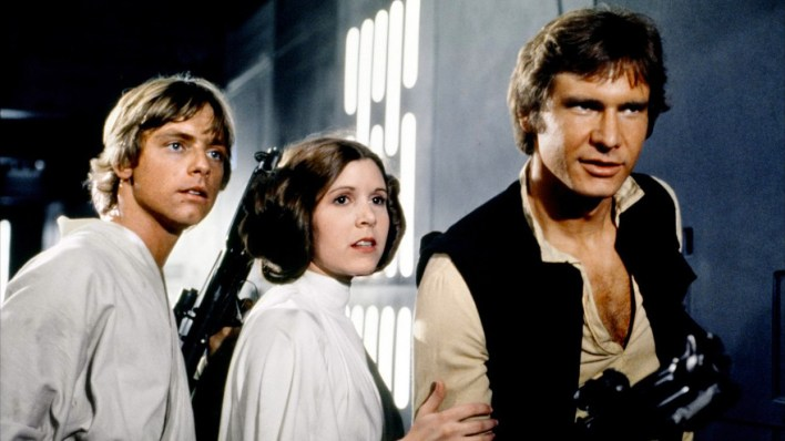 Luke Skywalker (Mark Hamill), Leia (Carrie Fisher) e Han Solo (Harrison Ford)