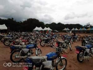 Phase II: Sen. Orji Kalu Distributes Sewing Machines, Motorcycles To Constituents (Photos)