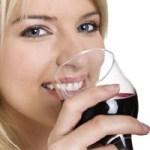 Vinul rosu contine substante cu efect antibacterian