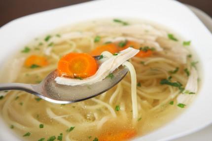 Supa de pui cu taitei