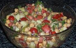 Salata de fasole cu ceapa rosie