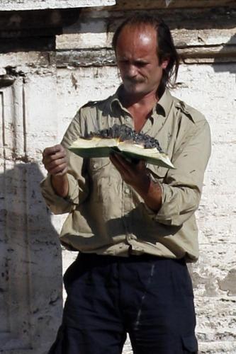 2011 - Iulian Jugarean a dat foc bibliei