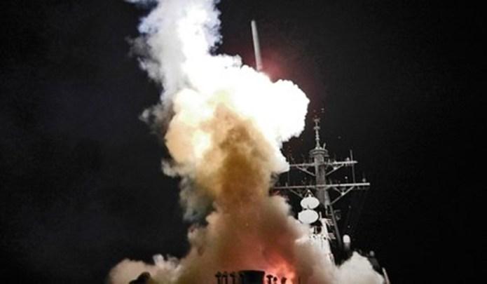RAZBOI: In noaptea de joi spre vineri, SUA au ATACAT Siria! In baza aeriana lovita se aflau si rusi