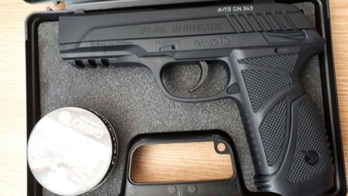 Pistolul din portbagaj i-a adus ghinion la frontiera