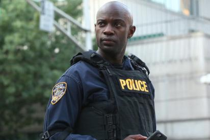 """Containment -- """"Be Angry at the Sun"""" -- Image Number: CON103_QC_0812_380.jpg -- Pictured: David Gyasi as Lex -- Photo: Quantrell Colbert/The CW -- © 2015 The CW Network, LLC. All rights reserved."""