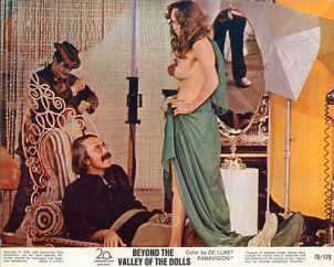 beyond-the-valley-of-the-dolls-still-3