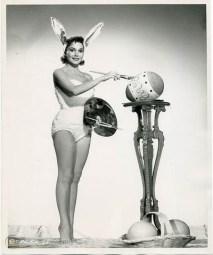 easter-glamour-girl-painting-egg