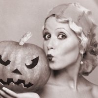 A Retro Halloween Glamour Pastiche And The Lost World Of Online Smut