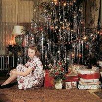 woman-below-christmas-tree