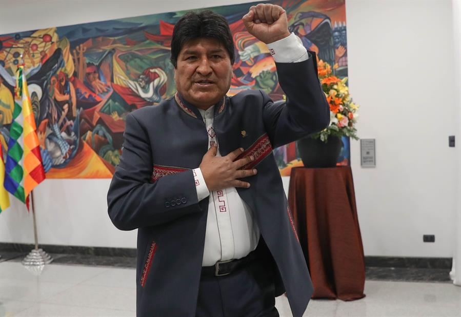 Camacho baja su candidatura a la presidencia de Bolivia