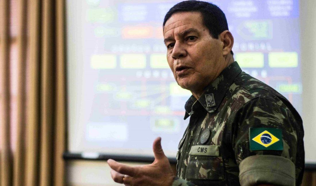 """Mourão defendeu a reação enérgica de Bolsonaro: """"Foi atingido de forma desleal"""""""