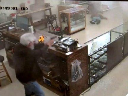 gun-store-robbery-liveleak-640x480