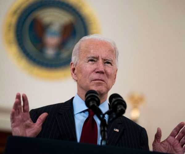 Biden Supports Right of Amazon Workers to Organize Union