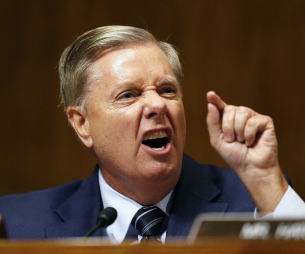 Sen. Lindsey Graham Tells Fauci to Witness' Super Spreader' Event at the Border