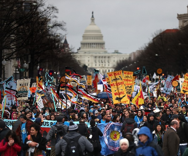 Army Corps Lets Dakota Access Pipeline Stay Open During Review, in Blow to Activists