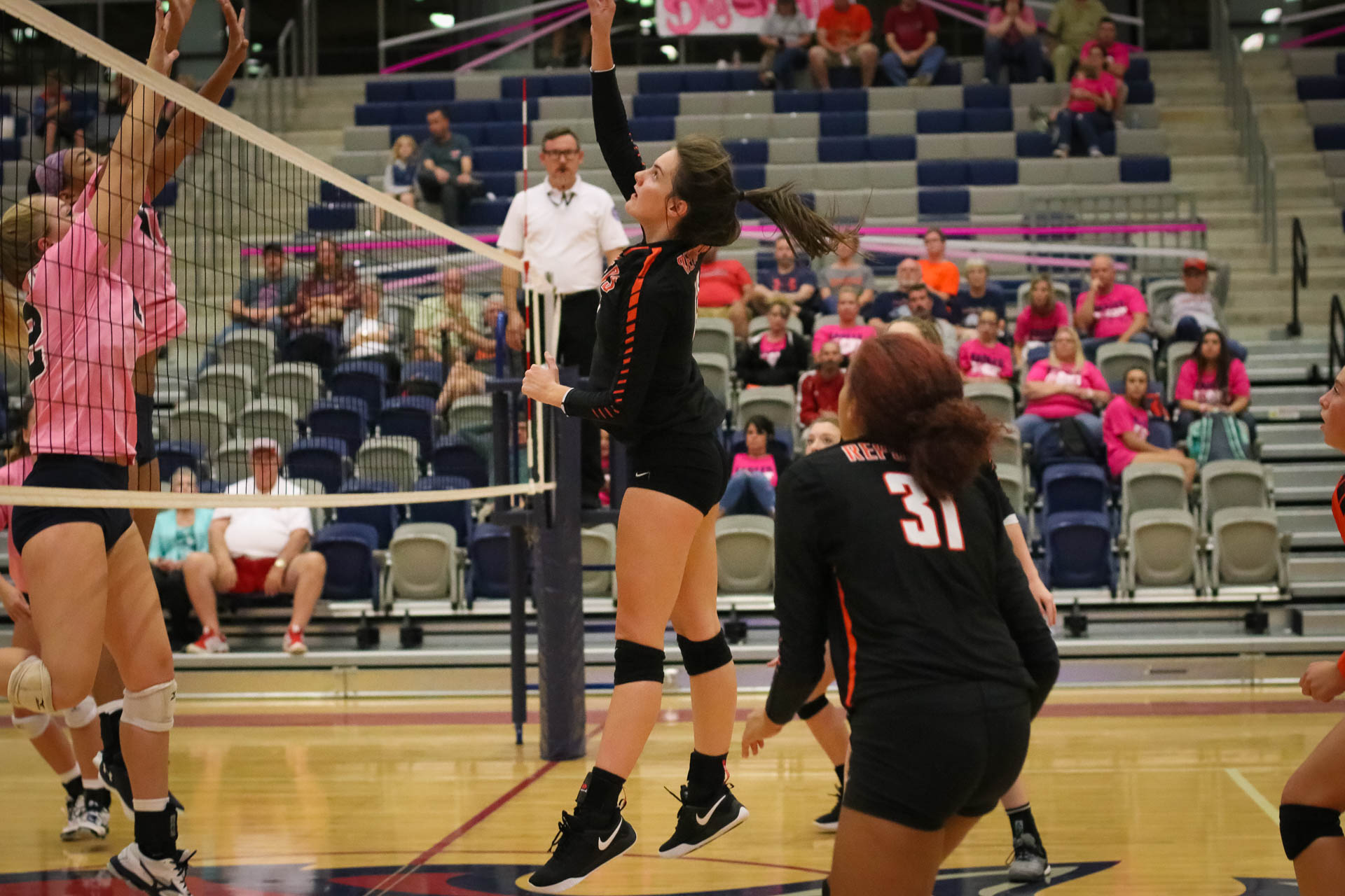 Repmo Volleyball Sweeps Central