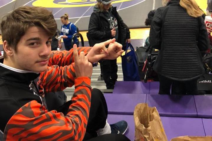 Two Tigers Win, O'Connell Passes Milestone At Hickman; JV Competes At Kickapoo