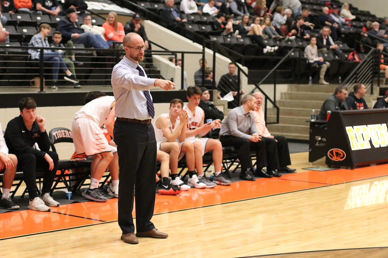Photos:  JV Boys Basketball Vs Neosho