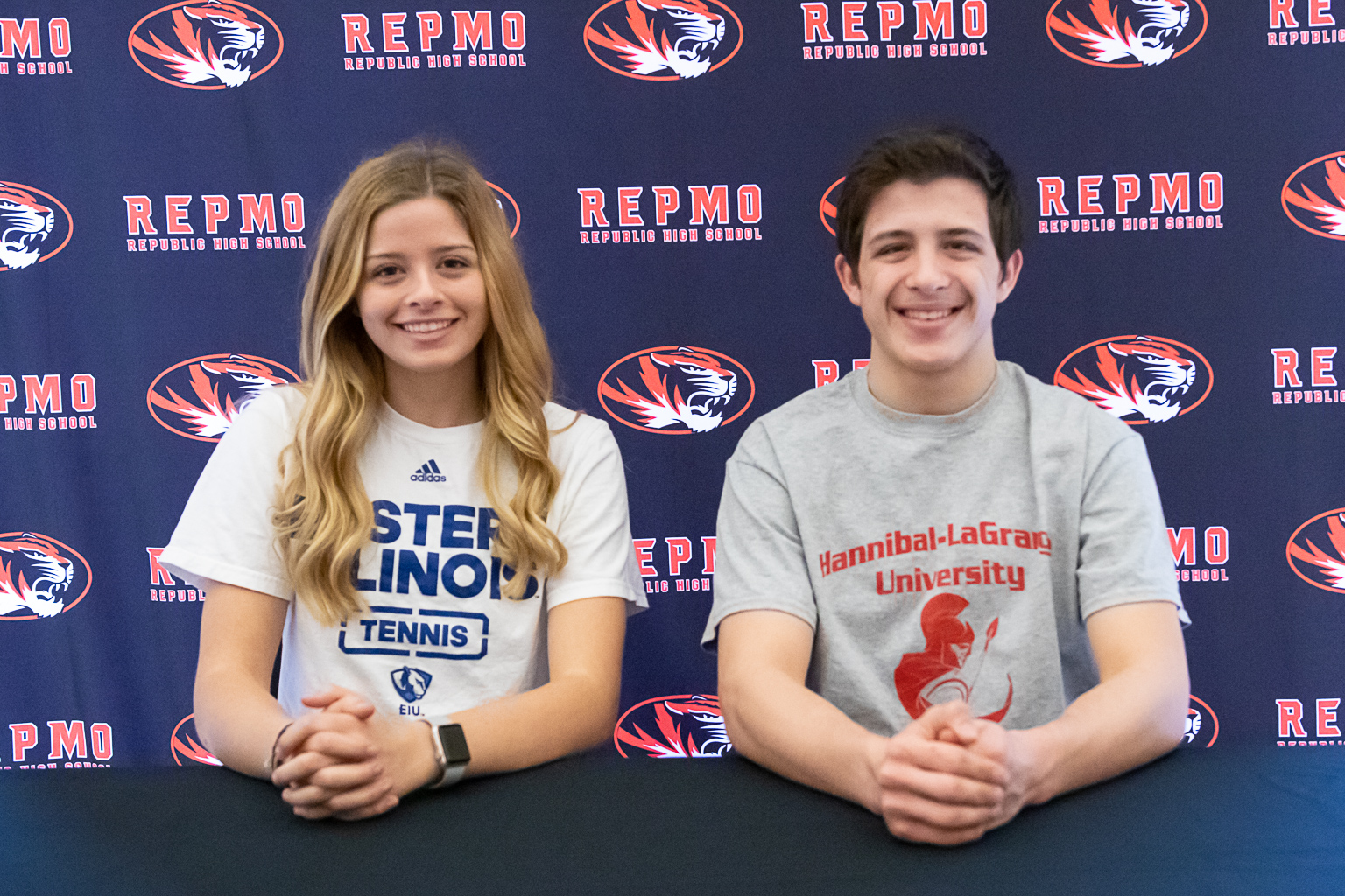 Snyder, Taylor Sign College Commitments