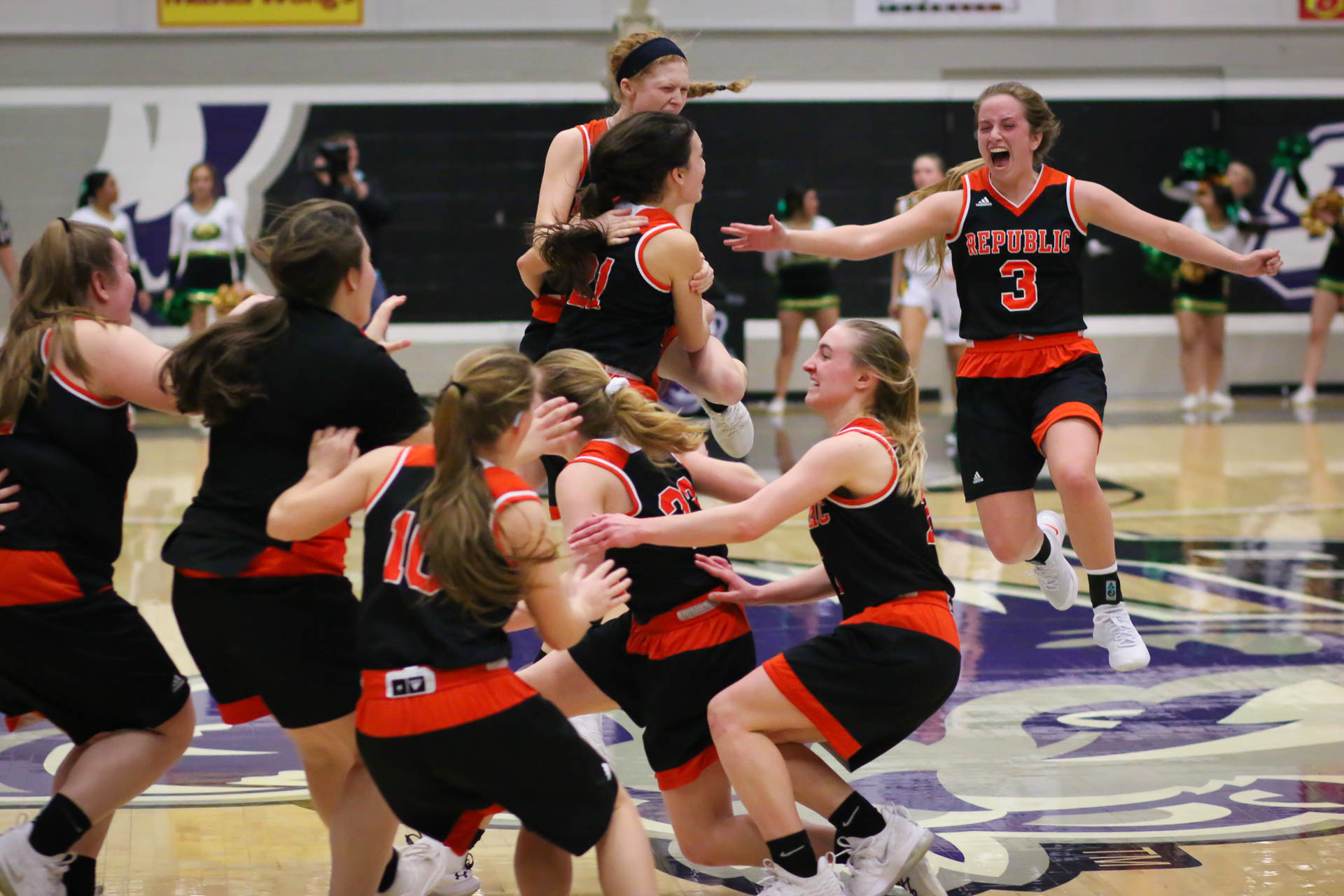 Lady Tigers Earn State Berth With Gutsy Win Over Rock Bridge