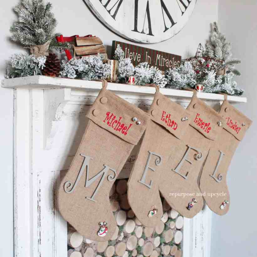 Old Style Christmas Decorations: A Vintage Style Christmas Mantel