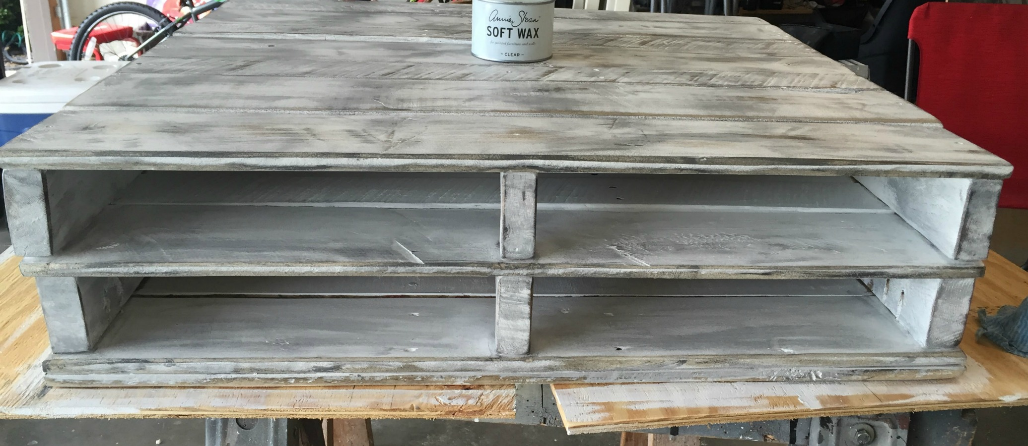 Pallet coffee table 8