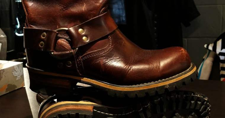 Durango Vintage Shortie Engineer Boots
