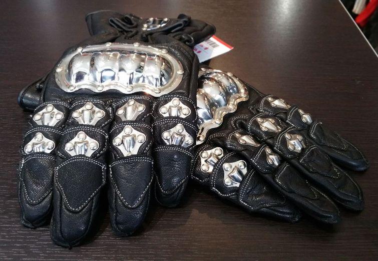 schoeller-gloves-2017-eastsidererides-06-web