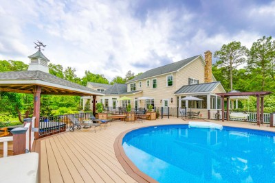 11656 Mill Road Rear Deck and Pool