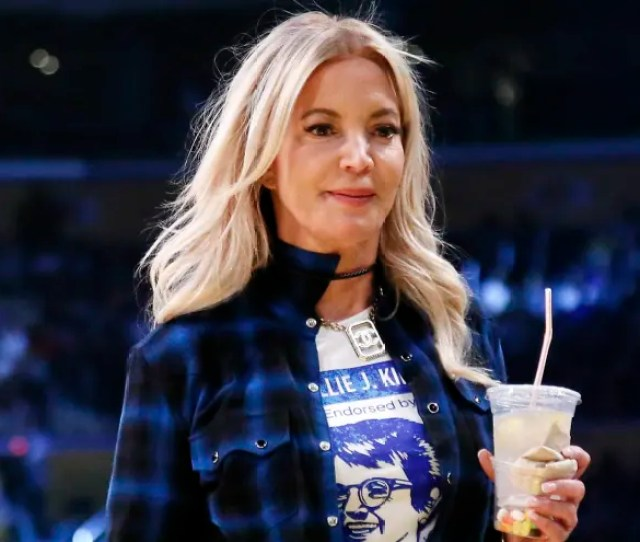 Report Lakers Minority Owners Not Happy With Jeanie Buss