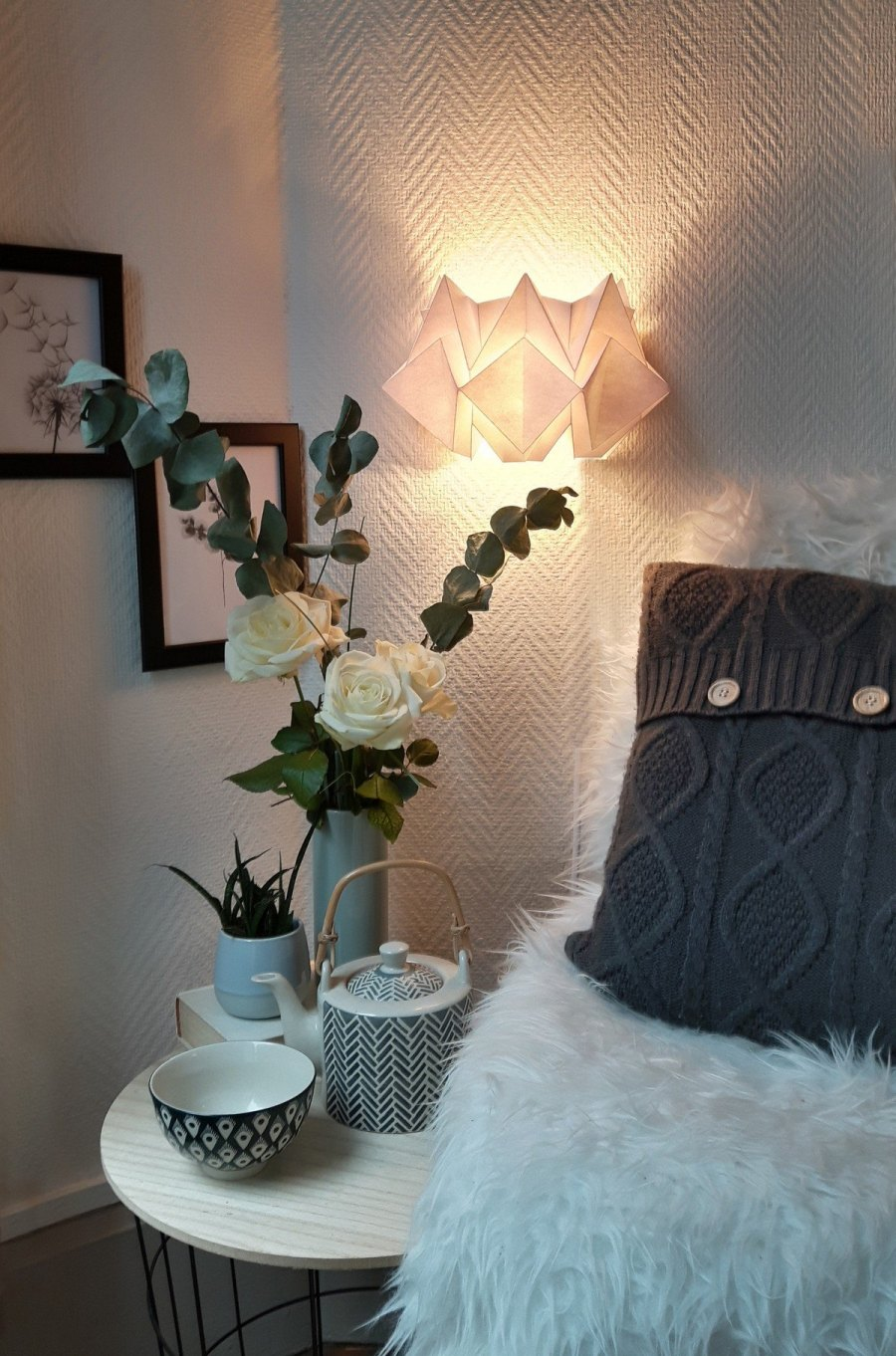 They usually also have a nice warm glow around them and this is one of the reasons why they're so great for bedrooms.