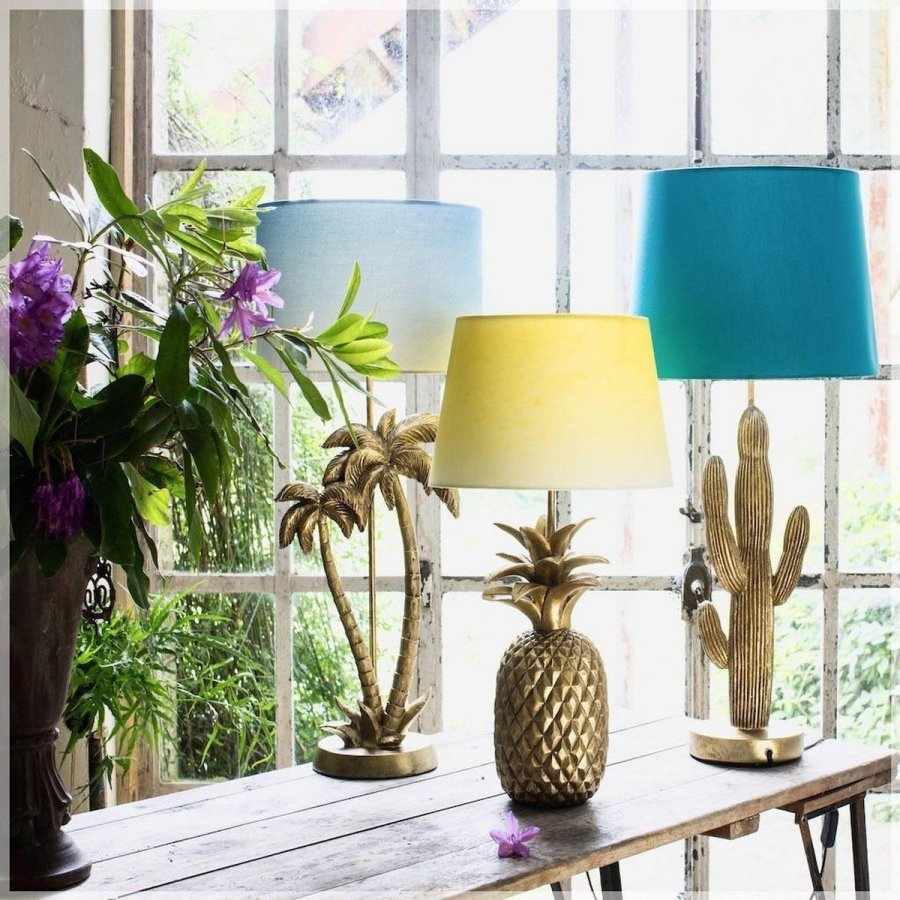Believe it or not, a lamp can really change the mood in a space. We're not only talking about floor lamps which have a big impact on the decor and ambiance but also about table lamps which may be smaller but have just as much impact on their surroundings.