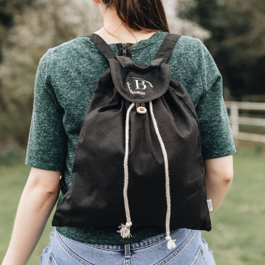 Ensure you have everything you need and more with bags that feature plenty of storage — and style — to go around. Read on for our top standout gym bag picks!