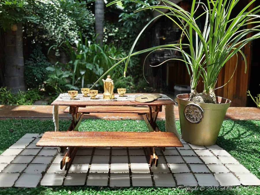 These free DIY picnic table plans will help you build a backyard retreat in just one weekend. All of the free plans include instructions and blueprints.