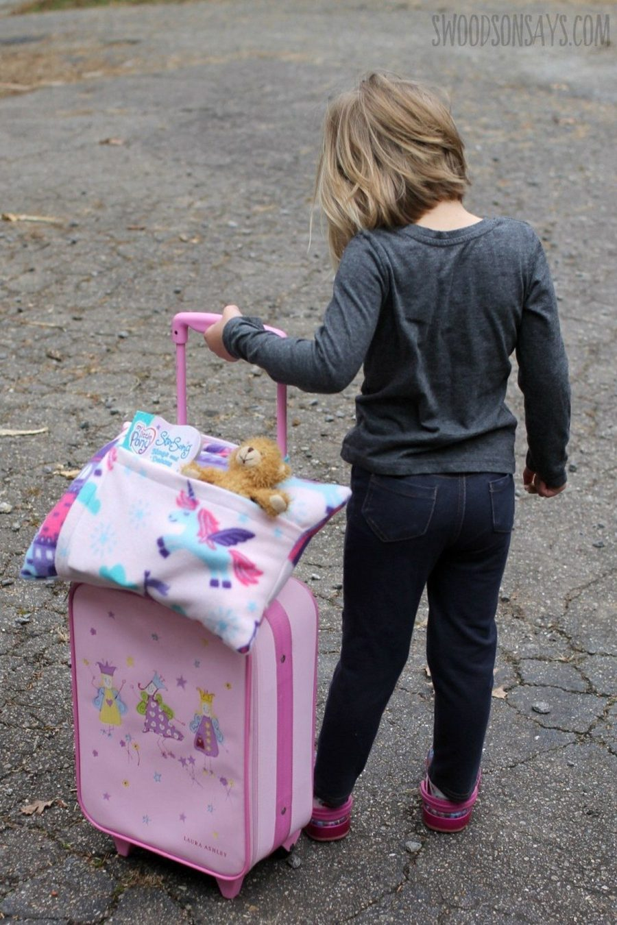 Traveling can be fun but if you have little ones, it can also be a long and often frustrating experience.